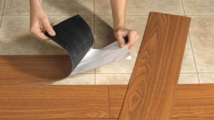 Виниловая плитка для пола — доступное и выгодное напольное покрытие