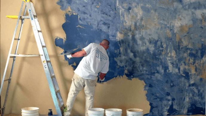Нанесение венецианской штукатурки на стены